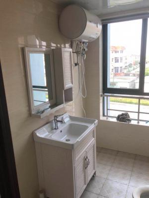 精装一室、二室独立卫生间、独立防盗门