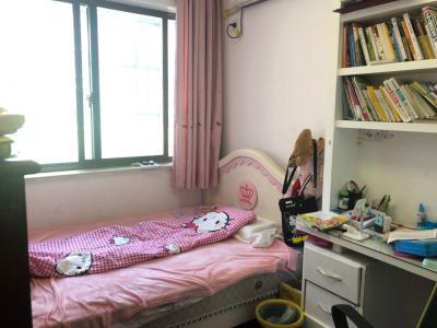 杭海新区,繁华地段,港湾温馨小三房,精装,送露台