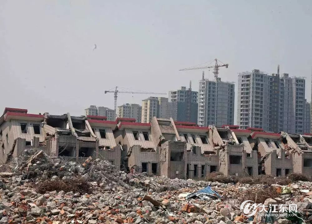 大江东人家门口的5院4套房167m2联院,买到的人都说很幸福 - 大江东房产网